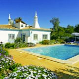 View information about Villa Quinta do Vale 3 bedrooms, check availability and book online