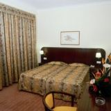 View information about Jardins D Ajuda Suite 1 bedroom and studios, check availability and book online