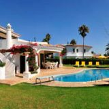 View information about Casa Yolanda 4 bedrooms, check availability and book online