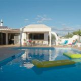 View information about Casa Da Colina 4 bedrooms, check availability and book online